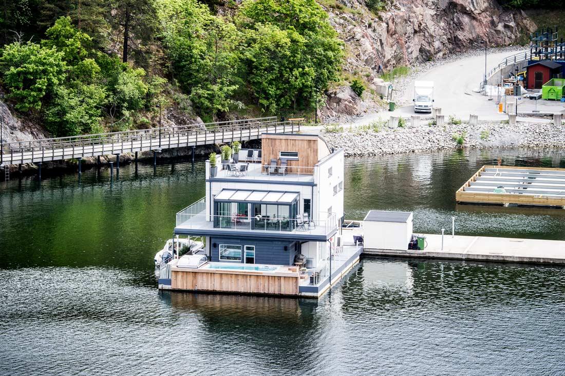 Schwimmendes Haus auf Pontons